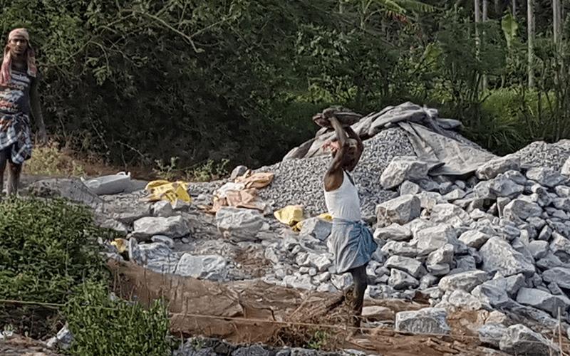 Hütten- und Haussanierung nach der Monsunflut 2018